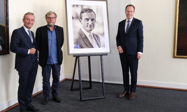 Vorstellung des Porträts von Thomas Geisel, Oberbürgermeister a.D., im Ältestenratssaal