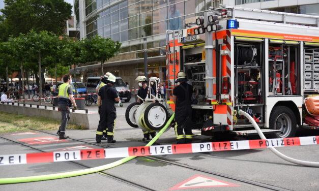 Schmorbrand in der U‑Bahn — Feuerwehr löschte glimmendes Dämmmaterial