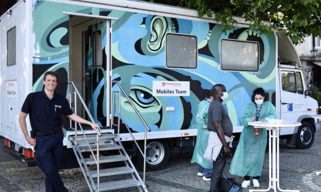 Impfmobil steht in der kommenden Woche an der Hochschule Düsseldorf