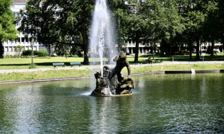 Tritonenbrunnen, Schalenbrunnen und Gröne Jong sprudeln wieder