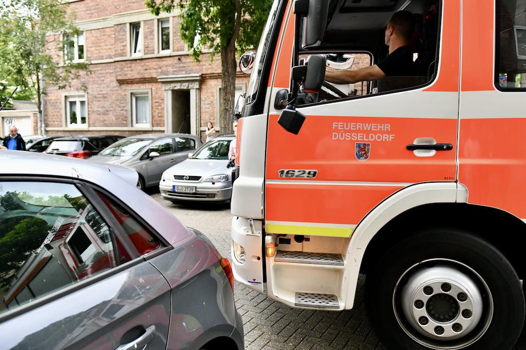 Immer wieder behindern Falschparker die Durchfahrt Foto: LOKALBÜRO