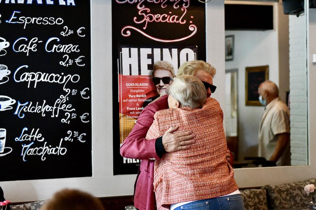 Überraschungsbesuch Schwester Hannelore und Schwager Günter Foto: LOKALBÜRO