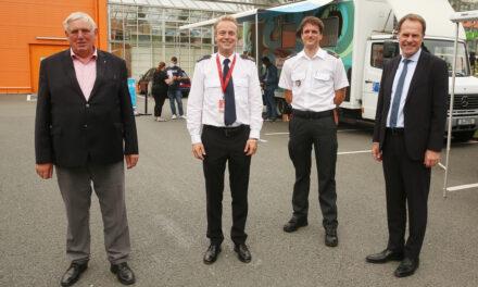 #HierWirdGeimpft: NRW-Minister Laumann und OB Dr. Keller besuchen Düsseldorfer Impfmobil