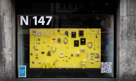 Zweite Gestaltung und weiterer Wettbewerb für KomKuK-Fenster im ehemaligen Stern-Verlag