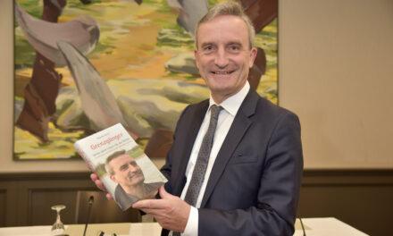 """Thomas Geisel stellt sein Buch """"Grenzgänger"""" vor"""