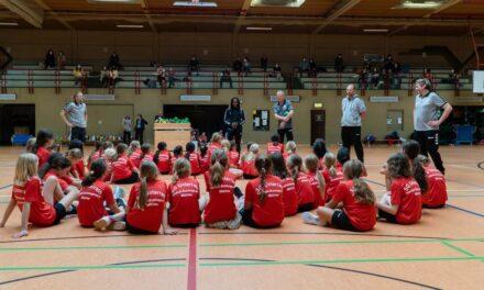 """""""Handball-Sichtungscamp"""" für Mädchen dank Förderung der Stadt Düsseldorf"""